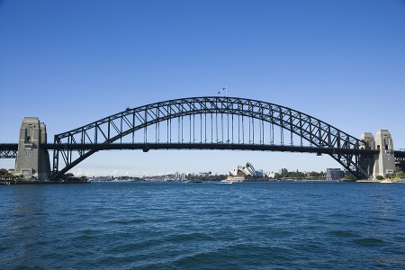 Sydney_Harbour_Bridge_with_vie_12844775